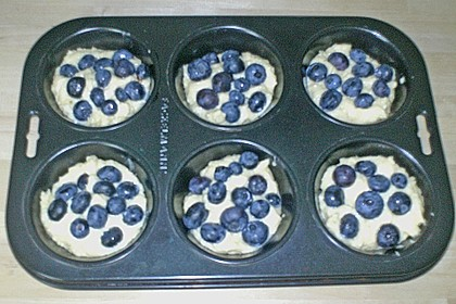 Mile high Blueberry Muffins 163