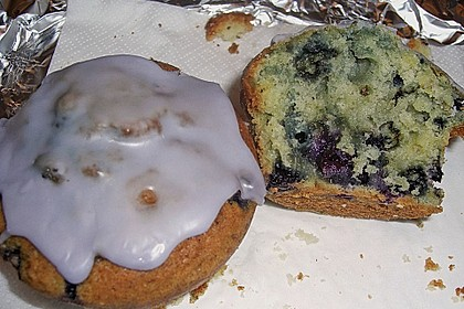 Mile high Blueberry Muffins 177