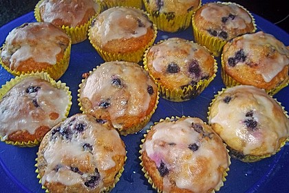 Mile high Blueberry Muffins 137