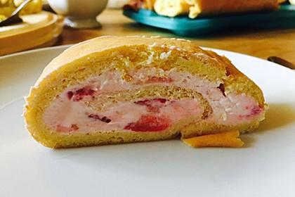 Biskuitrolle mit Erdbeer - Quark - Fülle 14