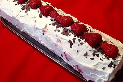 Biskuitrolle mit Erdbeer - Quark - Fülle 10