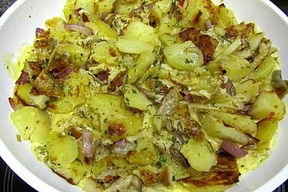 Kartoffel - Omelette mit geräucherter Forelle (Bild)