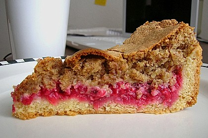 Rhabarber- oder Träubleskuchen mit Haselnussbaiser nach Großmutters Art