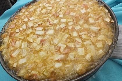 Apfelkuchen mit Sahne - Zimt - Haube 12
