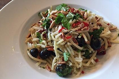 Spaghetti mit getrockneten Tomaten 19