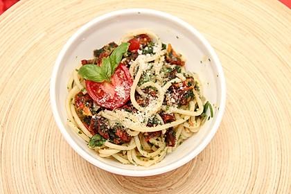 Spaghetti mit getrockneten Tomaten 6