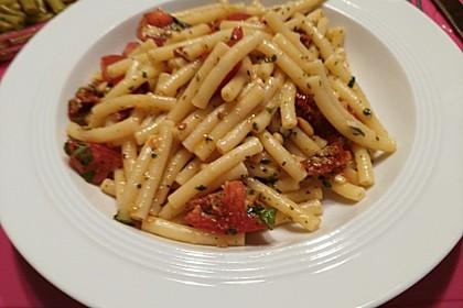 Spaghetti mit getrockneten Tomaten 15
