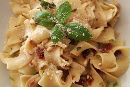Spaghetti mit getrockneten Tomaten 43