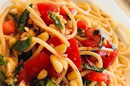 Spaghetti mit getrockneten Tomaten 14