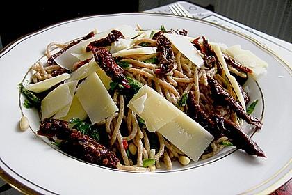 Spaghetti mit getrockneten Tomaten 10
