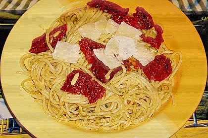Spaghetti mit getrockneten Tomaten 39