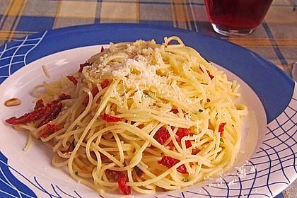 Spaghetti mit getrockneten Tomaten 21
