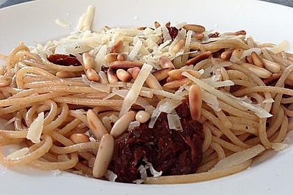 Spaghetti mit getrockneten Tomaten 13