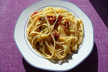 Spaghetti mit getrockneten Tomaten 12