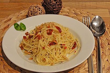 Spaghetti mit getrockneten Tomaten 9