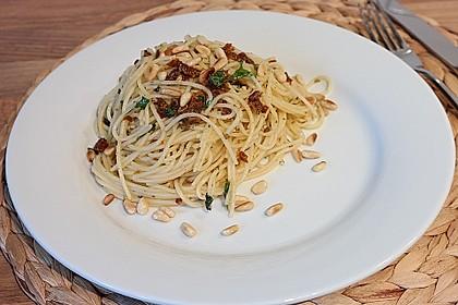 Spaghetti mit getrockneten Tomaten 18