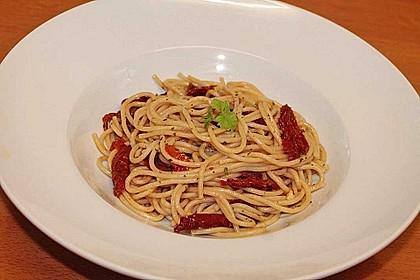 Spaghetti mit getrockneten Tomaten 29