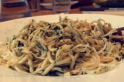 Spaghetti mit getrockneten Tomaten 26
