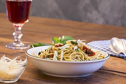 Spaghetti mit getrockneten Tomaten 3