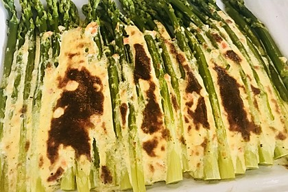 Albertos grüner Spargel mit Parmesancreme 20