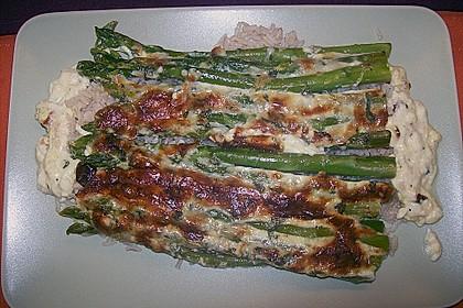 Albertos grüner Spargel mit Parmesancreme 83