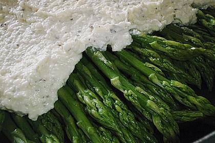 Albertos grüner Spargel mit Parmesancreme 68