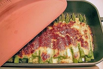 Albertos grüner Spargel mit Parmesancreme 9