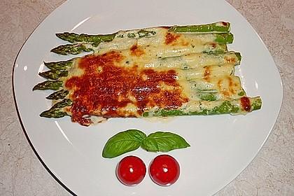 Albertos grüner Spargel mit Parmesancreme 8