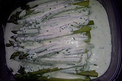 Albertos grüner Spargel mit Parmesancreme 81