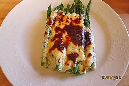 Albertos grüner Spargel mit Parmesancreme 17