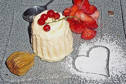 Marzipan - Parfait mit Himbeersauce 5