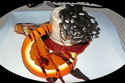 Marzipan - Parfait mit Himbeersauce 2