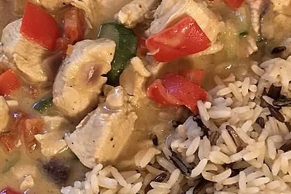 Hühnergeschnetzeltes mit Zucchini in Erdnuss - Kokos - Sauce 10