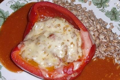 Paprika gefüllt mit Schafskäse und Zartweizen (Ebly)