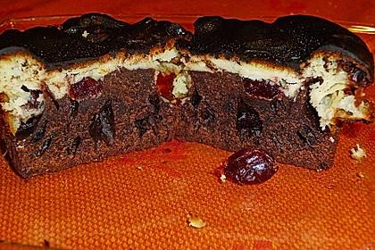 Schokomuffins mit Topfen - Cranberry - Topping (Bild)