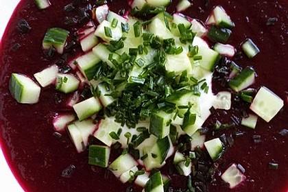 Kalte Suppe mit roter Bete für heiße Sommertage - ohne Kochen