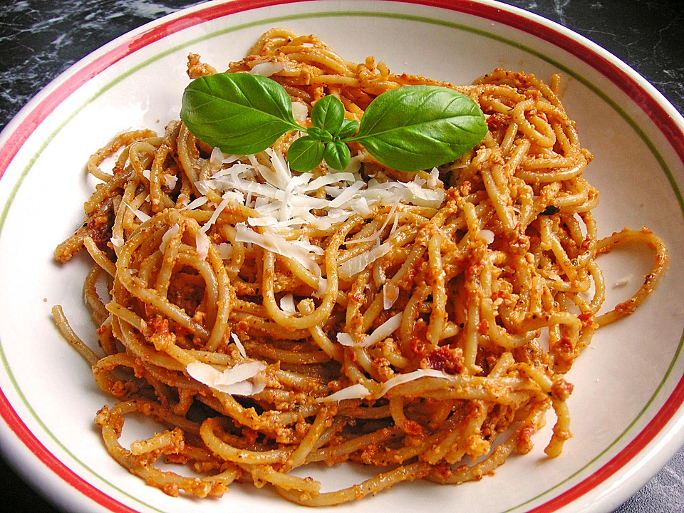 spaghetti mit tomaten pesto von michi 18 chefkoch. Black Bedroom Furniture Sets. Home Design Ideas