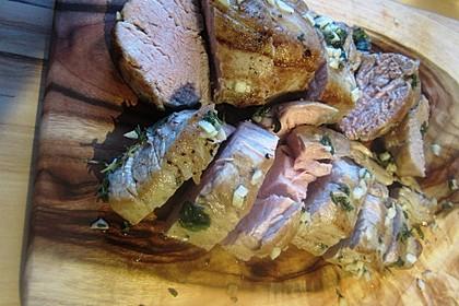 Schweinefilet im Kräuter - Knoblauch - Mantel 12