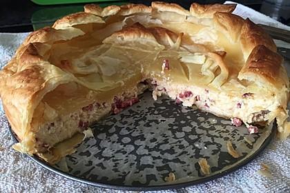 Speck - Zwiebel - Kuchen mit Blätterteig 1
