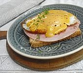 Schinken - Käse - Toast mit Spiegelei (Bild)