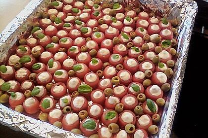 Gefüllte Tomaten mit Schafskäsecreme 2
