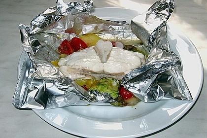 Fischfilet in Folientasche auf provenzalischer Art (Bild)