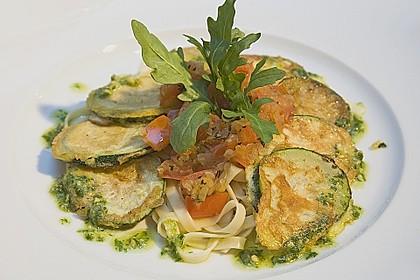 Zucchini – Piccata auf Tomatenkompott mit Rucolapesto und Nudeln 8