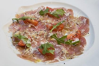 Thunfisch - Carpaccio mit Limone, Olivenöl und gehobeltem Parmesan