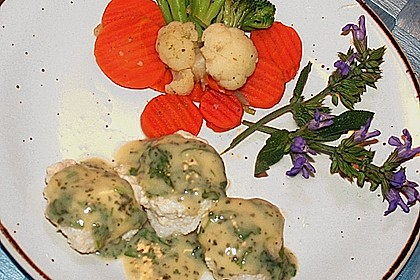 Feine Fischklößchen mit Zitronen - Kerbel - Sauce