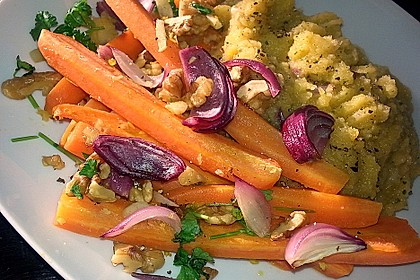 Geröstete Karotten mit Walnuss - Kruste