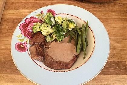 Thunfischfilet mit gratiniertem Brokkoli