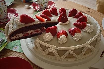 Erdbeer - Marzipan - Torte 20