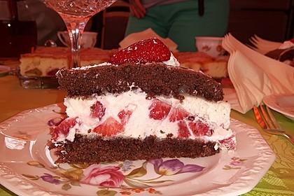 Erdbeer - Marzipan - Torte 32