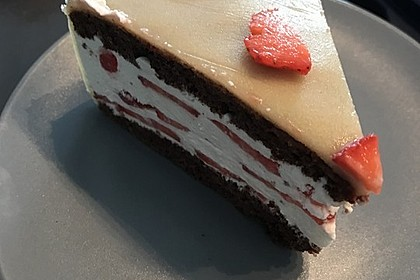 Erdbeer - Marzipan - Torte 8